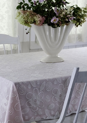 Matisse Daisy Madras Lace Table Cloth